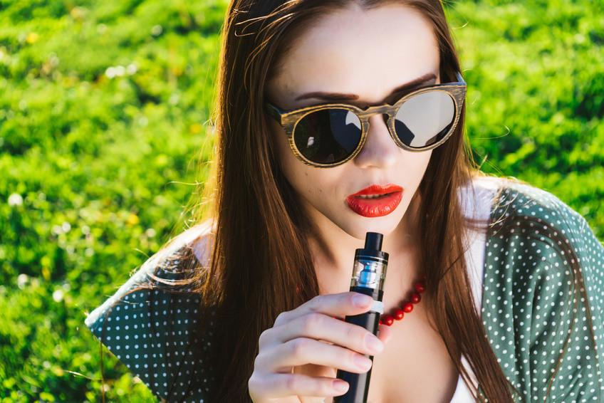 Cosa succede se si mette l'acqua all'interno di una sigaretta elettronica?